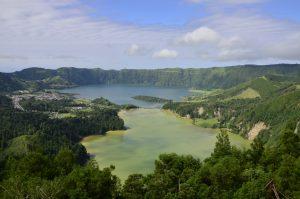 Sete Cidades, ook wel het groene en het blauwe meer genoemd.